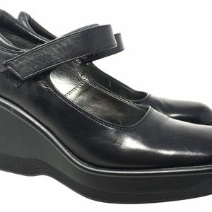 Kenneth Cole Reaction Women's Size Us 7.5 Wedge